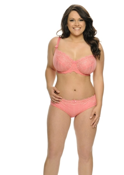 Lizzie Haines: 32H wearing a Curvy Kate Emily
